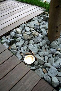 Fint med: träde som växer i fyrkant med sten i (fast vit), belysning underifrån Landscape Lighting, Outdoor Lighting, Outdoor Decor, Exterior Lighting, Outdoor Projects, Garden Projects, Landscape Design, Garden Design, Garden Inspiration