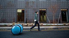 荷物を載せて自動で人を追いかける荷物運搬ロボ「Gita」をベスパの親会社Piaggioが発表 - GIGAZINE