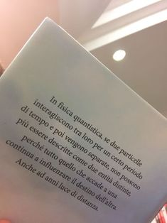 Solo ma con un libro tra le mani — love-at-firstsigh Poetry Quotes, Book Quotes, Words Quotes, Sayings, Italian Quotes, Love Phrases, Love Is In The Air, Tumblr Quotes, Some Words