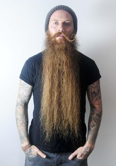 Meet the man with Britain's longest beard whose whiskers measure an amazing 2-FEET in length - Mirror Online