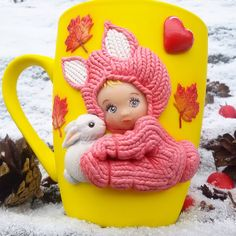 I would choose a Different color mug but what an incredible job Cute Mug, Biscuit, Mug Art, Clay Mugs, Clay Crafts, Clay Art, Coffee Cups, Polymer Clay, Bunny