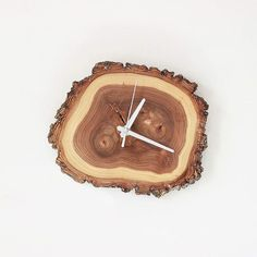 Wood Crafts, Diy And Crafts, Mini Loft, Wall Clock Design, Beautiful Nature Wallpaper, Scroll Saw Patterns, Rustic Wood, Cool Furniture, Creative Art