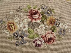 This Pin was discovered by Еле Cross Stitch Rose, Cross Stitch Flowers, Cross Stitch Charts, Cross Stitch Designs, Cross Stitch Patterns, Flower Embroidery Designs, Silk Ribbon Embroidery, Cross Stitch Embroidery, Embroidery Patterns