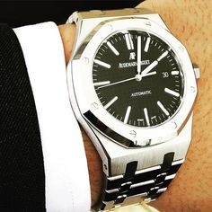 Time to Settle Down!  Lovin my new AP!! #audemarspiguet #ap #audemars #piguet #class #watch #ap_gallery #luxury #platinum #chronograph #tourbillon #exceptional #gold #offshore #quality #handmade #chrono #bezel #crystal #diamond #horology #timepiece #royaloak #royaloakoffshore #impression #pattern #follow #watchaddict #watchporn #success by zexxy11