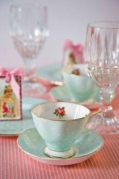Teacups with little dots ! Hmmmm