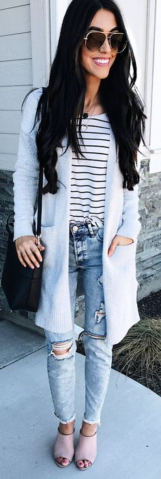 #spring #outfits smiling woman wearing blue cardigan. Pic by @brittanymaddux