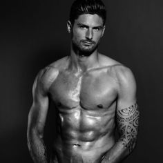 Olivier Giroud : Les photos les plus hot du beau gosse de l'équipe de France Goalkeeper Training, Transfer News, Free Kick, Soccer Fans, World Cup 2018, Messi, Ronaldo, Lyrics, Hunks Men