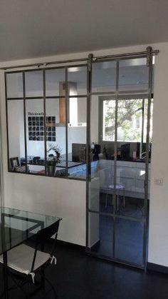 verrire avec une double porte coulissante ral 7021 idees. Black Bedroom Furniture Sets. Home Design Ideas
