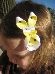 Haarschmuck für Kinder aus Schleifen gemacht