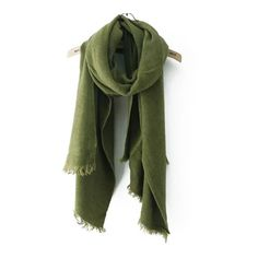 SheIn(sheinside) Frayed Army Green Scarf (£9.39) ❤ liked on Polyvore featuring accessories and scarves