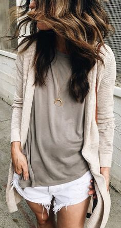 Idée et inspiration look d'été tendance 2017   Image   Description   #summer #outfits  (Repost, Link Didn't Work) Neutral Basics For A Lunch Date With Little Miss And Nana…. And Now For That Glass Of Rosé I've Waited Allll Week For  Have A Good One Friends! // My Fav...