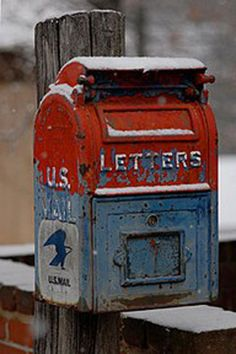 vintage red & blue mailbox in the snow -- LOVE this one !!!!!!!!