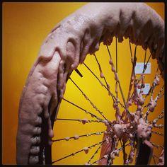 CUPCAKE WHEEL, 2013 stainless steel, resin, rubber, carpaint, onyx 100x60x20 cm