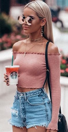 Awesome Summer Outfits That Always Looks Fantastic, Spring Outfits, Hello Summer . The Heat Is For Reallll Did You Guys Like My Roots Blonde Like This ? Or Better Darker. Trendy Summer Outfits, Cute Casual Outfits, Fall Outfits, Summer Clothes, Tumblr Summer Outfits, Simple Outfits, Shorts Outfits For Teens, Chic Outfits, Casual Summer