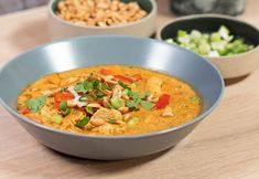Ómótstæðileg haustsúpa með kjúklingi Kart, Thai Red Curry, Healthy Recipes, Healthy Food, Yummy Food, Ethnic Recipes, Iceland, Soups, Healthy Foods