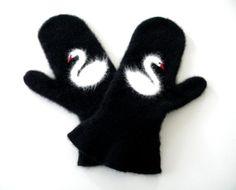 Swan's nest mittens by VaVaRa on Etsy, $45.00