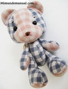 free baby bear pattern..cute! Link for the pattern template: http://www.mimundomanual.com/2011/07/manualidades-osito-de-peluche.html