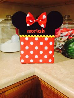Minnie Mouse Valentine Box #diy #Valentinesday #MinnieMouse