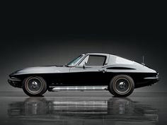 Chevrolet Corvette Sting Ray 427/425 Coupe (1966) – The first-ever production Corvette coupe, a futuristic fastback, sported one of the most unique styling elements in automotive history - a divided rear window.