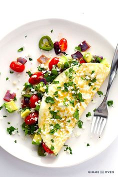 Easy Mexican Egg White Omelet -- quick, delicious, and perfect for breakfast! | gimmesomeoven.com