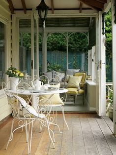 Country Style Chic: Elegant Outdoor Entertaining
