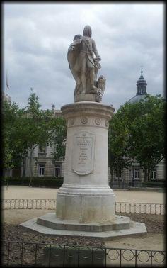 Fernando VI. Plaza de la Villa de París