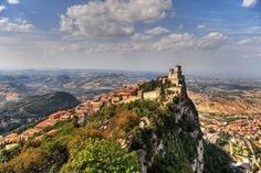 San Marino on the rocks