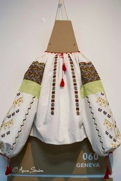 New embroidery, recreation of original blouses in museums around the world. Folk Costume, Costumes, Traditional Outfits, Textiles, Popular, Embroidery, Museums, Blouse, Shirts