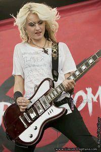 Miranda Miller from cherri bomb Thalia, Bass, Hey Violet, Music Chords, Women Of Rock, Guitar Girl, Riot Grrrl, Female Guitarist, Capture Photo