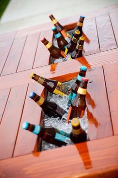 Patio Table w/Built in Beer/Wine Cooler -- Ana White Plans {Love}