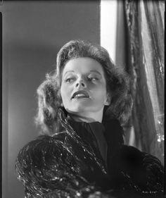 Katharine Hepburn in a photograph by Ernest Bachrach (1934)