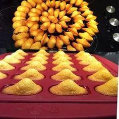 Hello tout le monde! Voici une recette de madeleine que j'ai testée qui est délicieuse ( moelleuse et aérée à souhait) est qui plus est a formé la bosse tant attendu :) Alors n'hésitez pas car très facile à faire. Tous à vous tabliers! INGRÉDIENTS POUR...