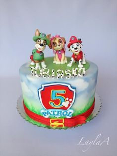 Paw Patrol Birthday Cake With Marshall Skye and Tracker Figurines Paw Patrol Birthday Cake, 4th Birthday Cakes, Paw Patrol Cake, Mini Cakes, Cupcake Cakes, Cupcake Decorating Techniques, Fondant Cake Designs, Cakes For Boys, Cakes And More