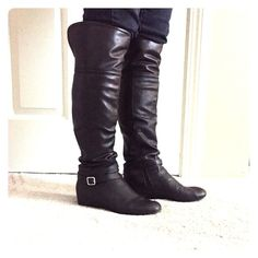 Boots Fergie black boots. They look cute in any outfit. Very comfy. Price is firm trade Fergie Shoes