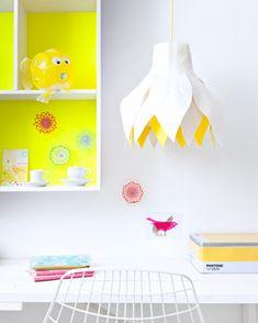 DIY Hanging lamp made of felt - Hanglmap van vilt. Kijk op www.101woonideeen.nl