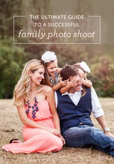 The ultimate guide to a successful family photo shoot! 22 resources to help with everything from finding a photographer to printing your photos