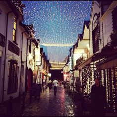 Ashton Lane off Byres Road. Many great bars, restaurants and a cosy cinema. Just don't wear heels. The cobbles are pretty, but a killer! West End Glasgow, Wonderful Places, Beautiful Places, Vegas, Long Bean, Sight & Sound, British Isles, Solo Travel, Homeland