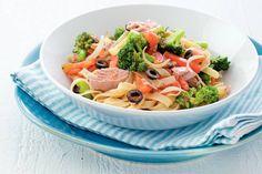 Kijk wat een lekker recept ik heb gevonden op Allerhande! Tagliatelle en broccoli in tonijnsaus