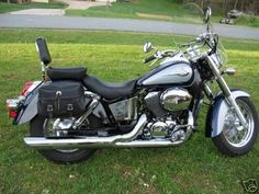 2001 Honda Shadow 750 ACE ... I have one just like this :)