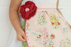 vintage apron by charlaanne