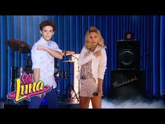 Ámbar y Matteo cantan Mírame a mí - Momento Musical (con letra) - Soy Luna…