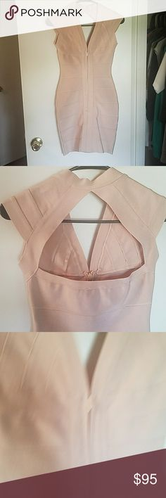 HMS nude front zip bandage mini SEXY! Pair this dress with black or bold colors and turn heads on girls night or catch guys sneaking oeaks on date night!! Nude size small BNWOT PERFECT CONDITION hot Miami styles Dresses Mini