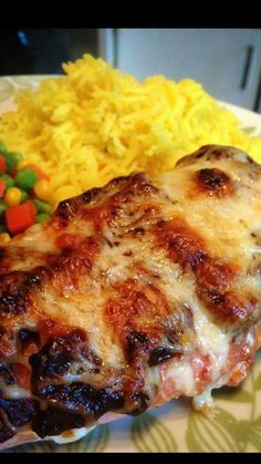Slimming this recipe for Hunters Chicken is only a Syn on the Extra Easy plan if you use the cheese as your healthy extra a choice - wow how good is that. Slimming World Dinners, Slimming World Recipes Syn Free, Slimming World Syns, Slimming Eats, Slimming World Hunters Chicken, Sliming World, Skinny, Main Meals, Carne