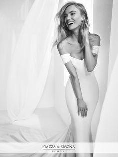 👑 #AtelierPronovias firma un'esclusiva collezione Limited Edition, esaltata da maestria artigianale e tessuti di prima qualità. Scoprila su http://www.piazzadispagnasposi.it/collezioni/sposa/atelier-pronovias/