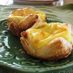 """Portuguese Custard Tarts- Pasteis de Nata 