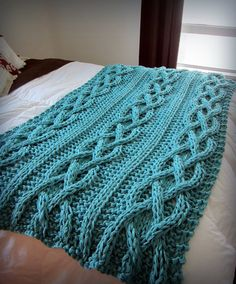 Cable Knit Blanket Cotton Ready To Ship por OzarksMomma Cable Knit Blankets, Cozy Blankets, Chunky Blanket, Granny Square Blanket, Knitting Projects, Knitting Patterns, Crochet Patterns, Bed Scarf, Knitted Afghans