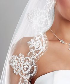 www.Princesses.nl verkoop ook mooie sluiers. de sluiers kun je in verschillende maten kopen en met en zonder kant. Wedding Bells, Weddings, Wedding Dresses, Shoes, Fashion, Bride Dresses, Moda, Bridal Gowns, Zapatos