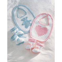 For Christines baby! Free Crochet Baby Booties and Bib Pattern. Crochet Baby Bibs, Crochet Baby Clothes, Crochet For Kids, Baby Blanket Crochet, Baby Knitting, Free Crochet, Booties Crochet, Free Knitting, Newborn Crochet