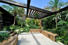 This garden, designed by New Zealander Xanthe White, won Best Design at the Gard… - DIY Garden Deko Tropical Landscaping, Modern Landscaping, Backyard Landscaping, Tropical Gardens, Diy Garden, Dream Garden, Modern Landscape Design, Urban Landscape, Public Garden