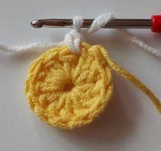 Örgü Bebek Battaniye - Mimuu.com Plaid Crochet, Baby Afghan Crochet, Free Crochet, Crochet Blocks, Crochet Squares, Crochet Flower Patterns, Crochet Flowers, Handmade Home, Handmade Crafts